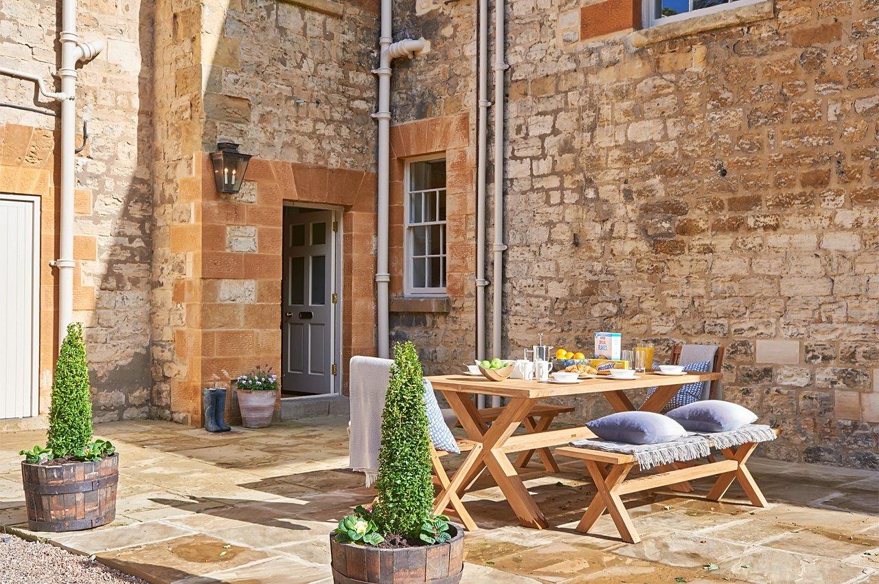 Manor House Setting Driveway Summer Breakfast Patio